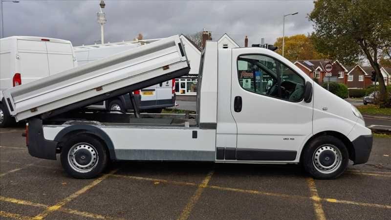 2009 Renault Trafic LL29 LWB DCI image 1