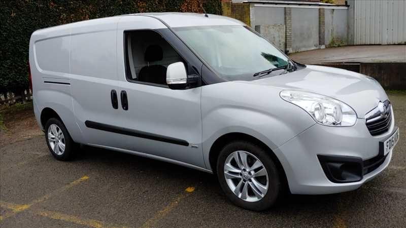 2015 Vauxhall Combo 2300 L2H1 LWB 1.6 CDTI image 1