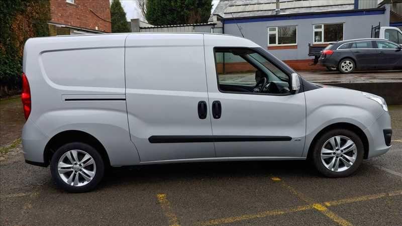 2015 Vauxhall Combo 2300 L2H1 LWB 1.6 CDTI image 5