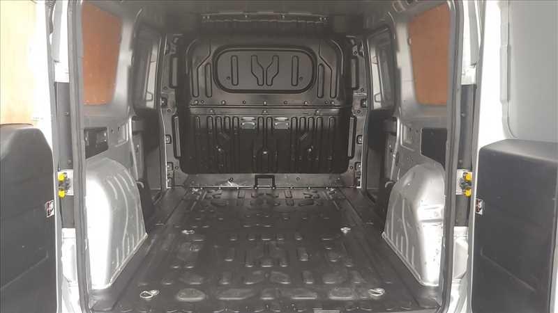 2015 Vauxhall Combo 2300 L2H1 LWB 1.6 CDTI image 13