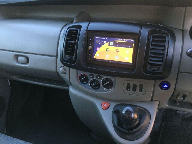 2009 Renault Trafic SWB 2.0 image 9