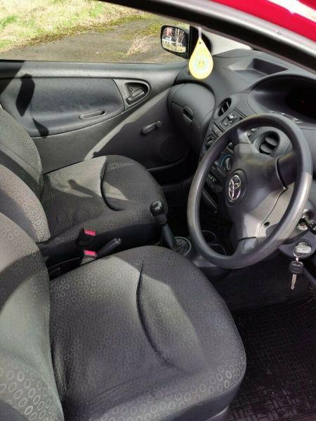 2003 Toyota Yaris image 7