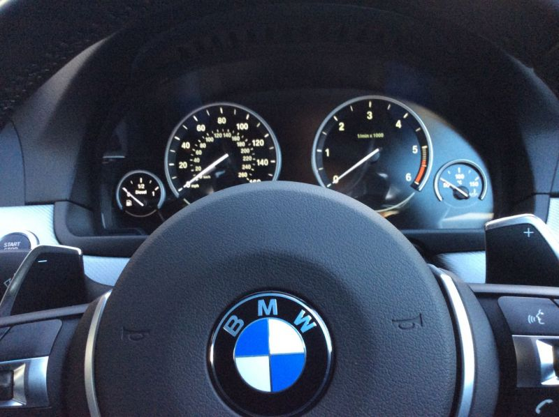 2017 BMW 5 Series 2.0 520d M Sport Touring 5dr image 9