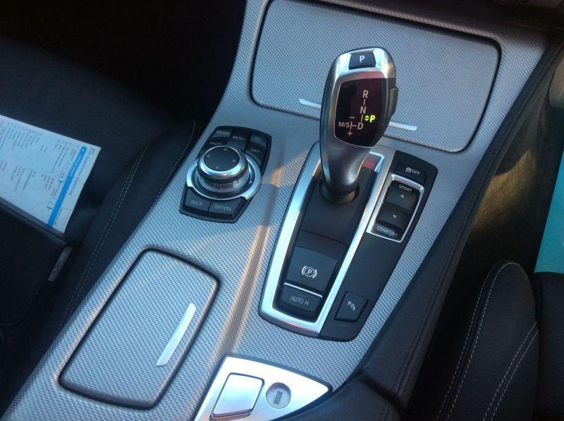 2017 BMW 5 Series 2.0 520d M Sport Touring 5dr image 10
