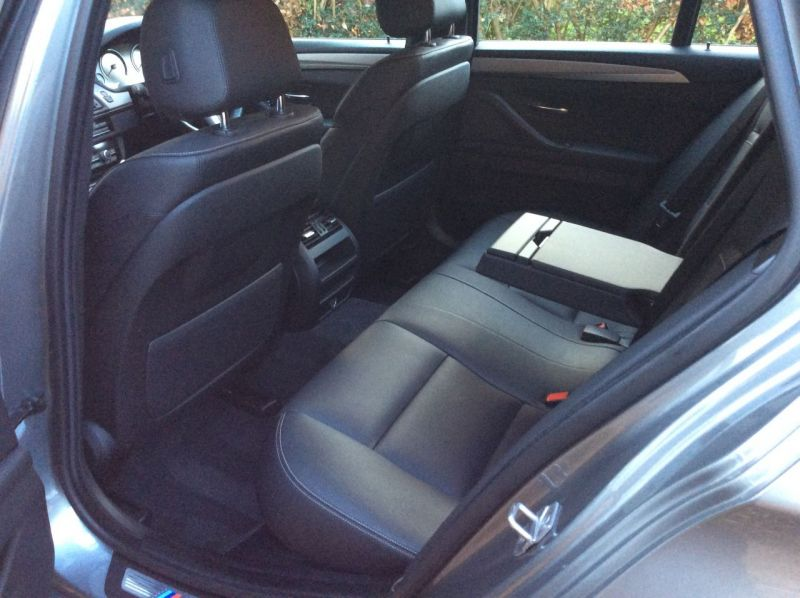 2017 BMW 5 Series 2.0 520d M Sport Touring 5dr image 17