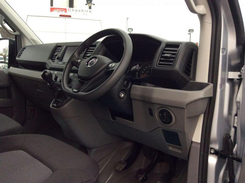2018 Volkswagen Crafter LWB 2.0 CR35 TDI image 6