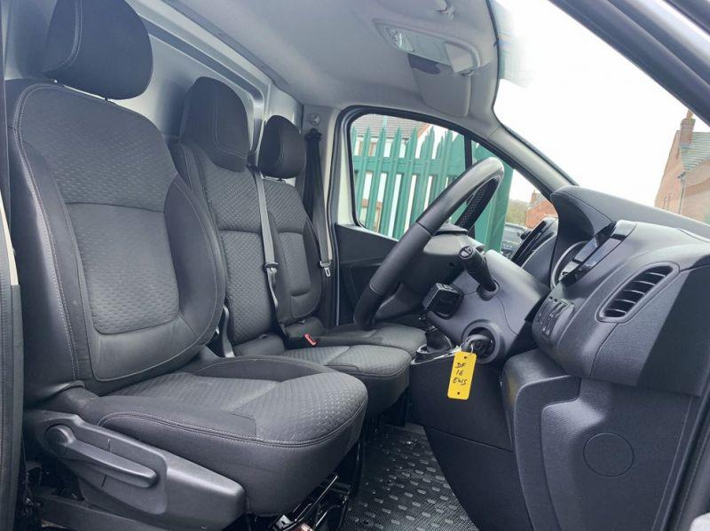 2016 Vauxhall Vivaro 1.6 Cdti 2700 Biturbo Ecoflex Sportive 5dr image 3
