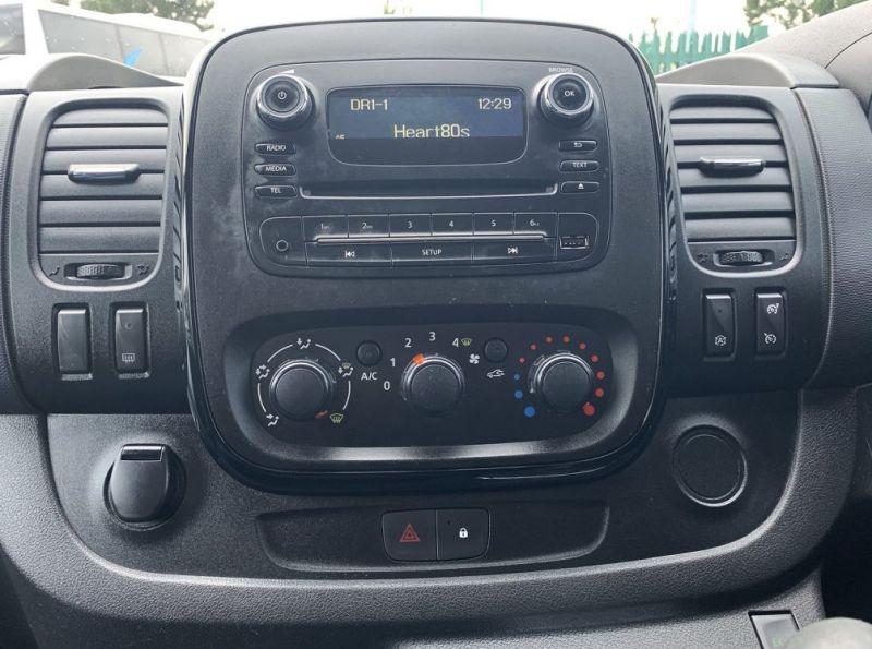 2016 Vauxhall Vivaro 1.6 Cdti 2700 Biturbo Ecoflex Sportive 5dr image 4