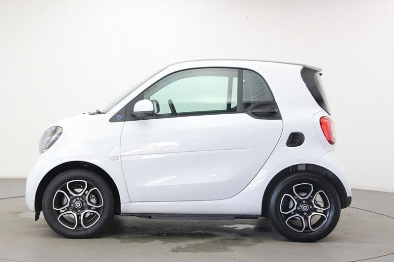 2019 Smart Fortwo Coupe 60kW EQ Prime Premium 2dr image 4