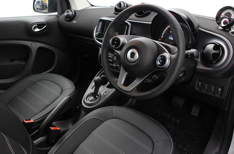 2019 Smart Fortwo Coupe 60kW EQ Prime Premium 2dr image 7