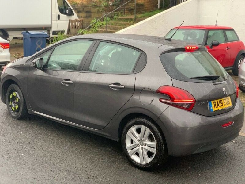 2019 Peugeot 208 1.5 Blue HDI Active image 7