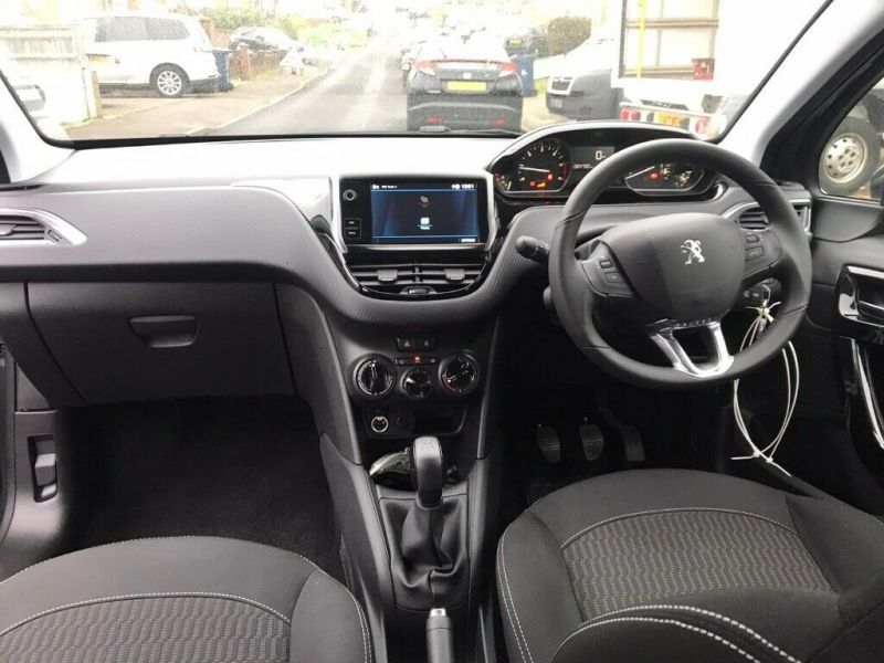 2019 Peugeot 208 1.5 Blue HDI Active image 9