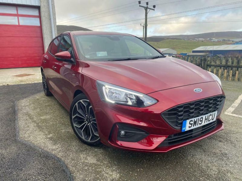2019 Ford Focus image 1
