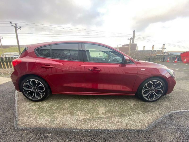 2019 Ford Focus image 2