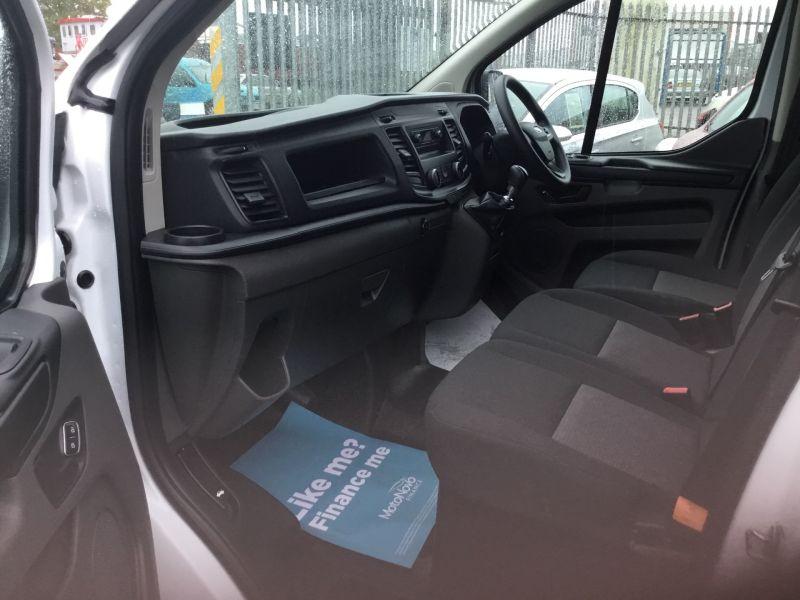 2018 Ford Transit Custom 300 2.0 TDCi 105ps Low Roof Van image 7
