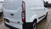 2018 Ford Transit Custom 300 2.0 TDCi 105ps Low Roof Van image 4