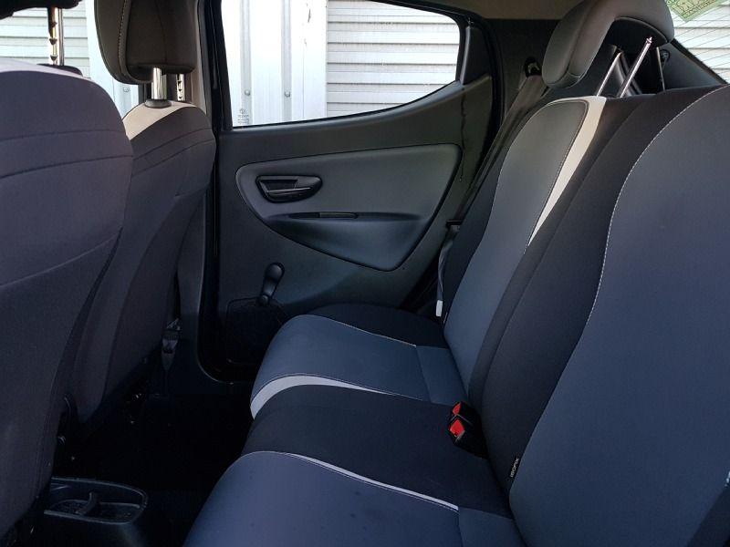 2014 Chrysler Ypsilon 1.2 5dr image 6