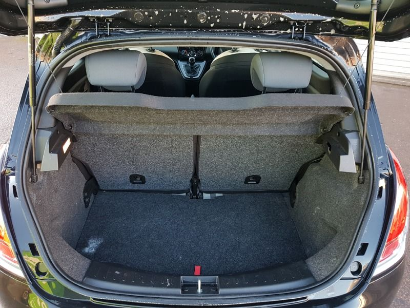 2014 Chrysler Ypsilon 1.2 5dr image 8