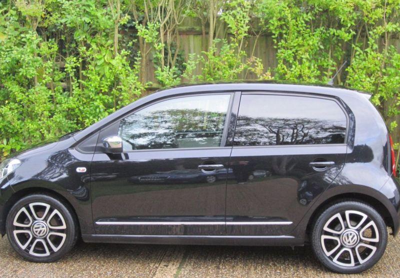 2015 Volkswagen up! Hatch 1.0 5dr image 2