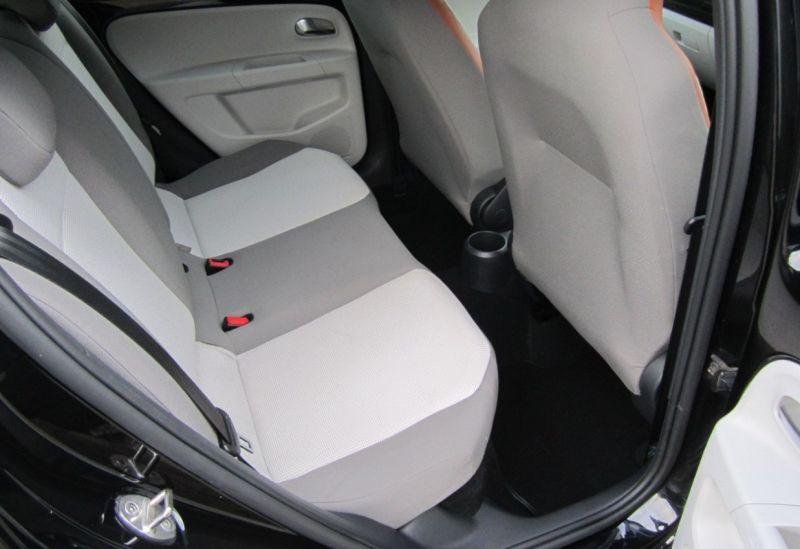 2015 Volkswagen up! Hatch 1.0 5dr image 6