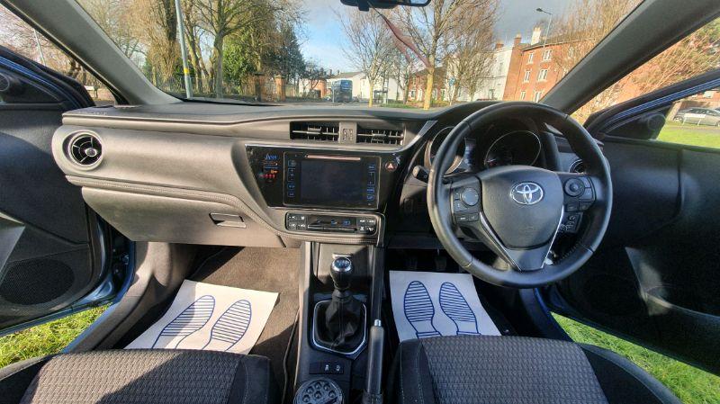 2018 Toyota Auris Design 1.2 image 6