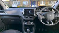 2019 Peugeot 208 s/s Tech Edition image 2