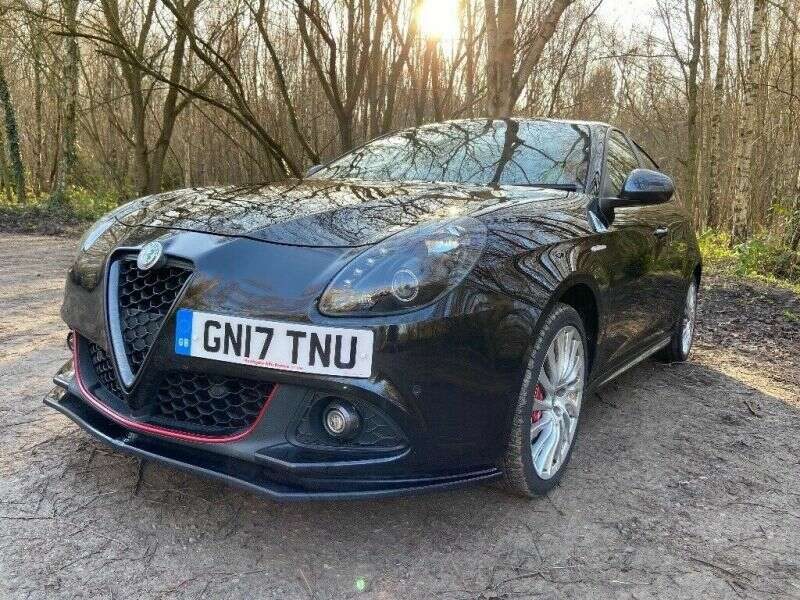 2017 Alfa Romeo Guilietta image 2