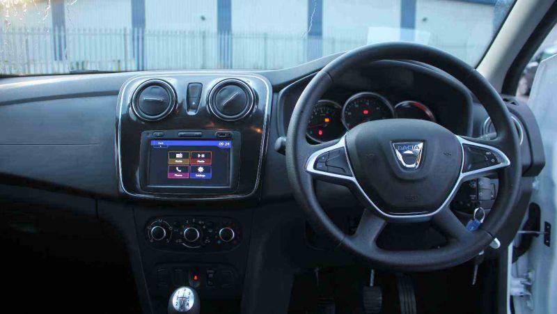 2017 Dacia Sandero 0.9 TCe Laureate 5dr image 8