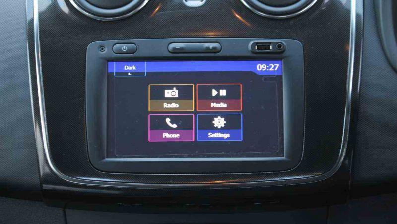 2017 Dacia Sandero 0.9 TCe Laureate 5dr image 14