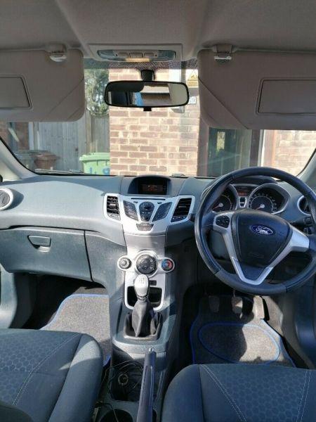 2009 Ford Fiesta Zeetec image 7