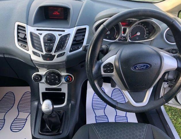 2010 Ford Focus 1.25 Zetec image 9