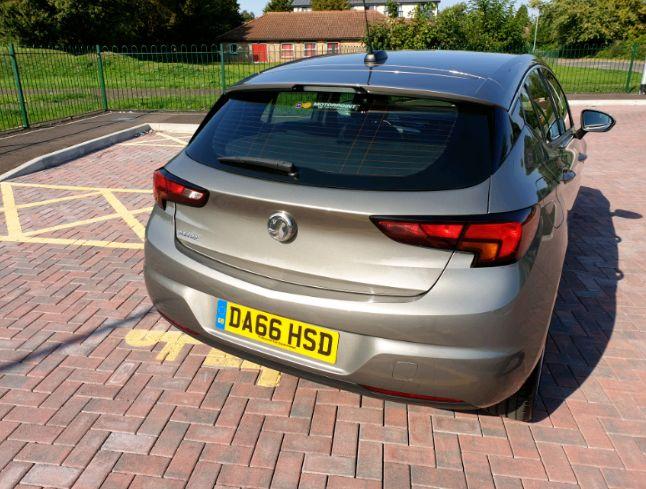2016 Vauxhall Astra 1.4 SRI image 4
