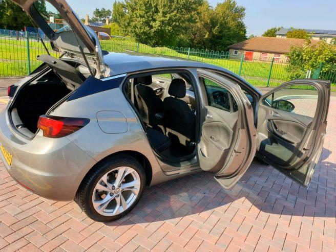 2016 Vauxhall Astra 1.4 SRI image 6