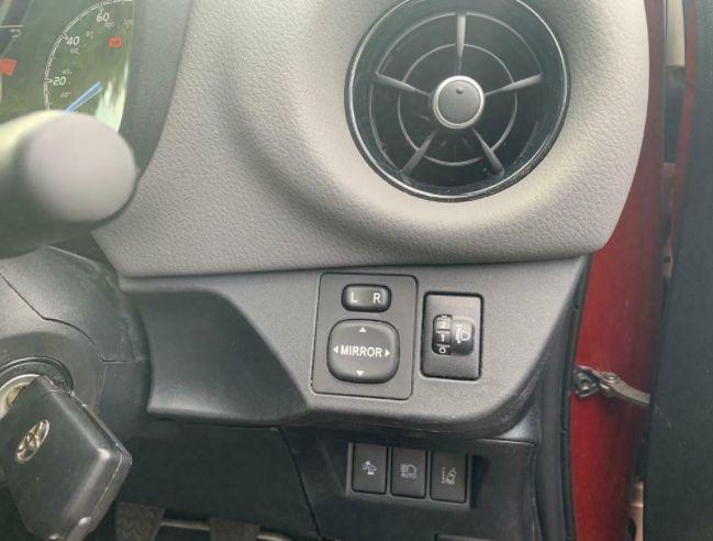 2018 Toyota Yaris Icon V VT-I 1.4 image 7