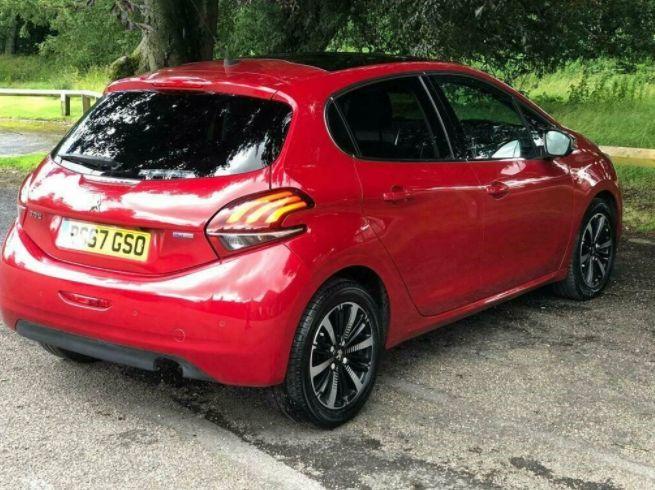 2017 Peugeot 208 1.2 5dr image 4