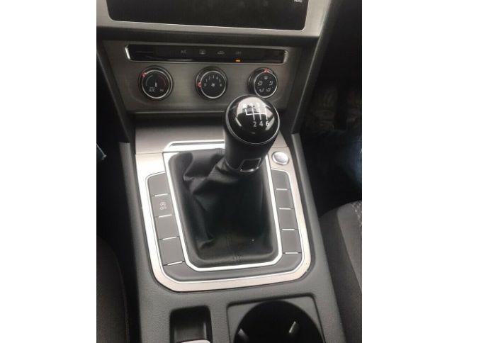 2018 Volkswagen Passat 2.0 4dr image 8