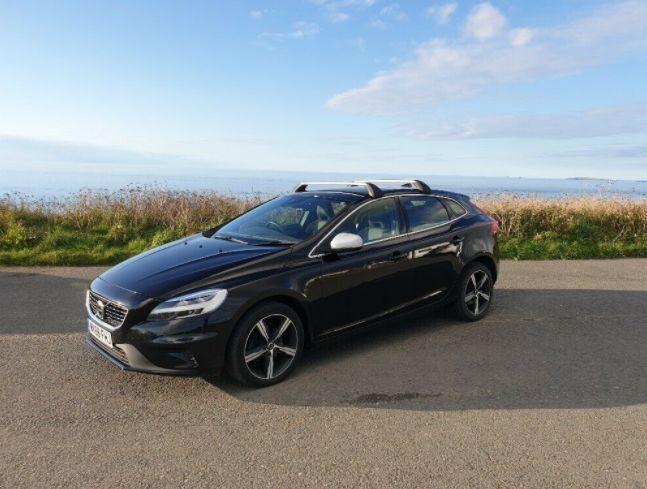2018 Volvo V40 5dr image 1
