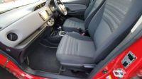 2017 Toyota Yaris 1.4 5dr image 2