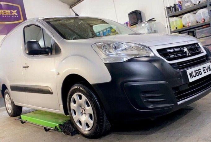 2016 Peugeot Partner 1.6 image 1