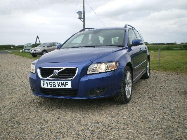 2008 Volvo V50 1.8 SE Estate image 1