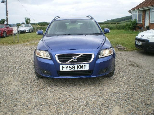 2008 Volvo V50 1.8 SE Estate image 2