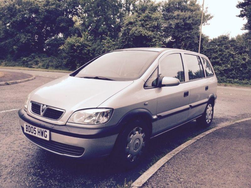 2005 Vauxhall Zafira 1.6 low mileage image 1