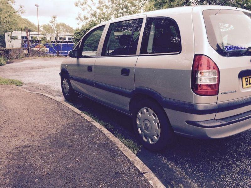 2005 Vauxhall Zafira 1.6 low mileage image 2