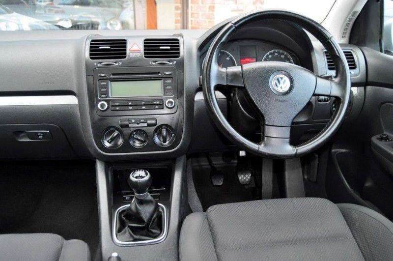 2006 VW Golf SPORT TDI image 5
