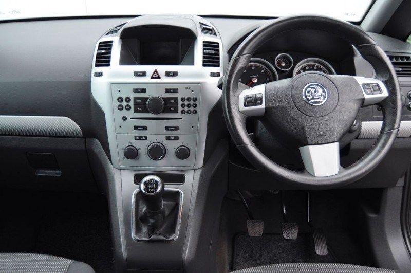 2010 Vauxhall Zafira SRI CDTI image 4