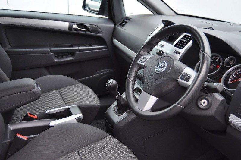 2010 Vauxhall Zafira SRI CDTI image 5