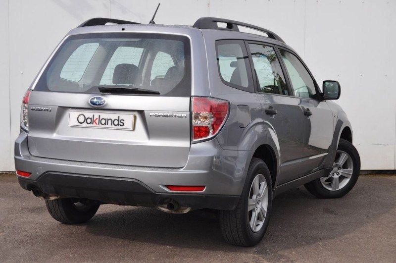 2010 Subaru Forester X 2.0 image 3