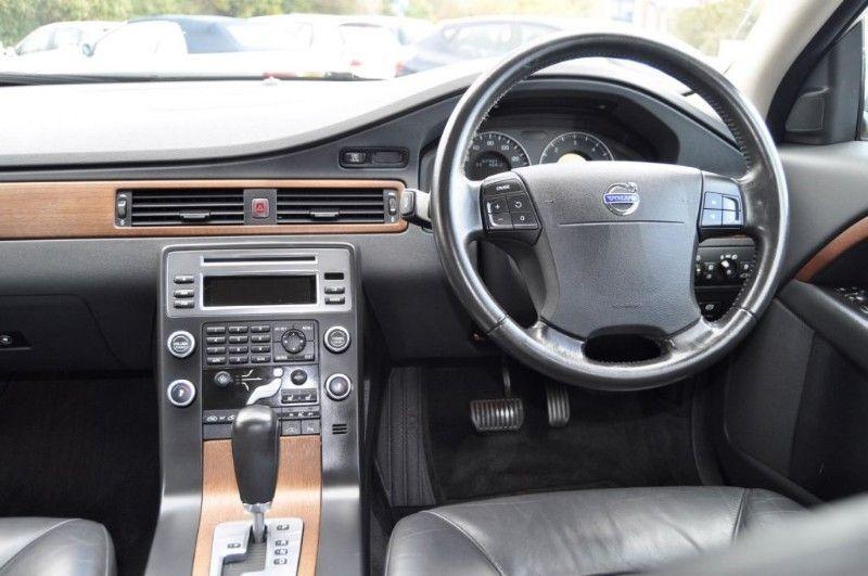 2008 Volvo V70 D SE LUX image 5