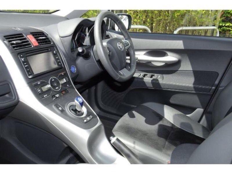 2012 Toyota Auris 1.8 T sprit image 1