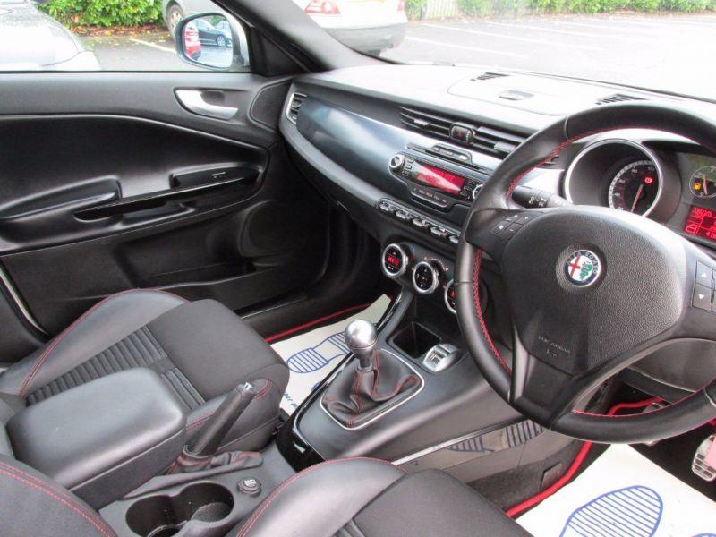 2011 Alfa Romeo Giulietta 1.4 image 5